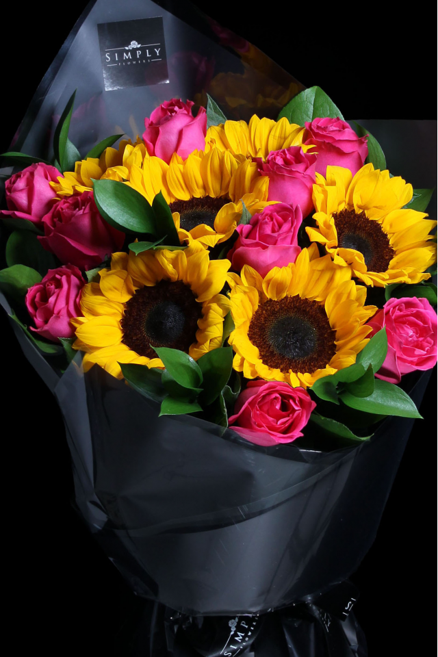Peach Roses with Sunflower Bouquet